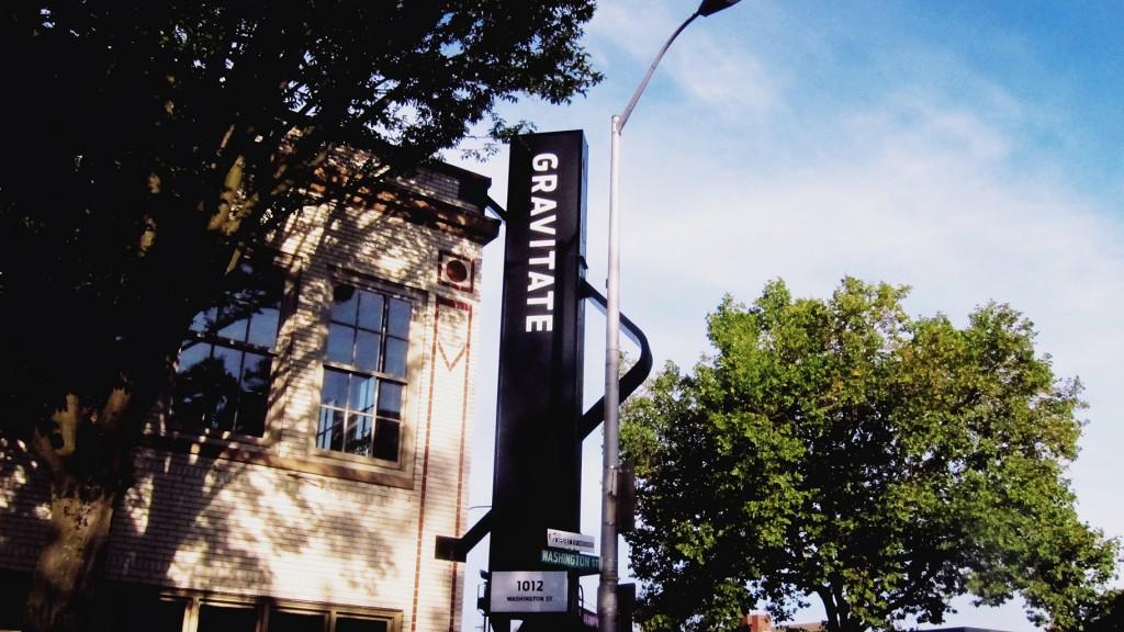 Gravitate_sign_5